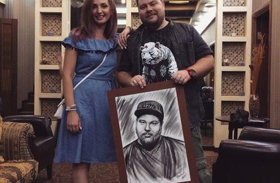 Вручение портрета Андею Атласу
