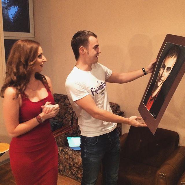 Вручение портрета Ивану Абрамову