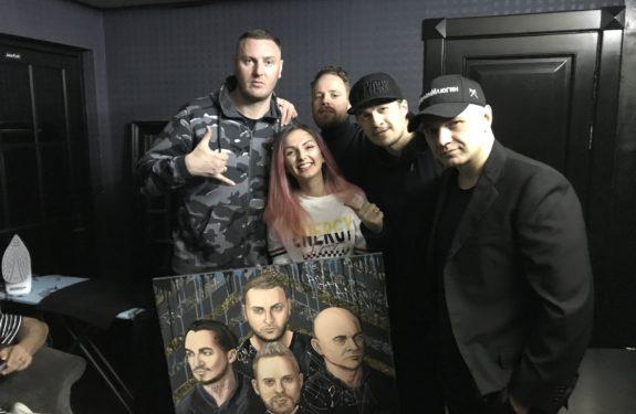 Вручение портретов солистам группы КАСТА